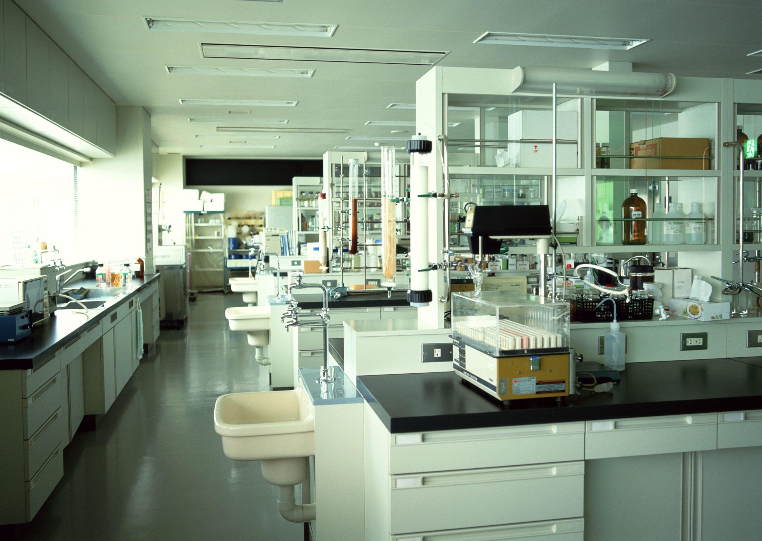 تدقيقات و تفتيشات الأمن و السلامة في المختبرات