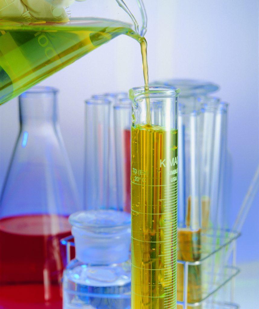 طرق تحضير المحاليل و الكواشف و الأدلة الأكثر شيوعا في المختبرات